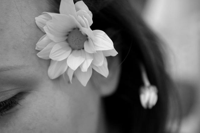 fiore all'orecchio